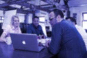 meeting_informal_business_teamB.jpg