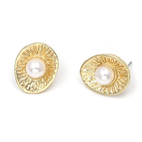 Pearl Oyster Studs