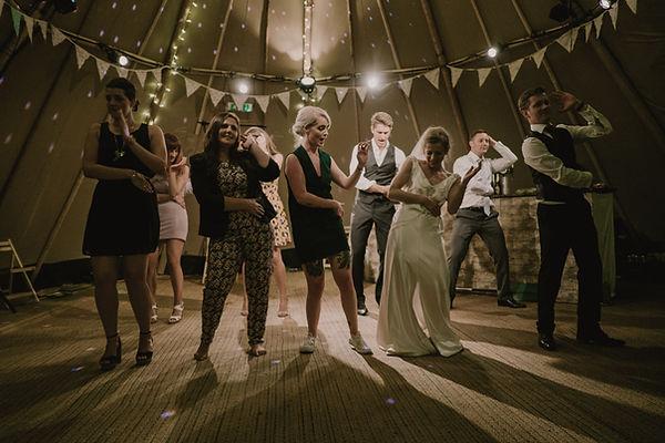 baila con tus amigos