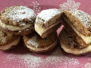 Persimmon Whoopie Pie - Mixies Vintage Recipe