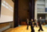 A:ステージ背後スクリーン(改).jpg