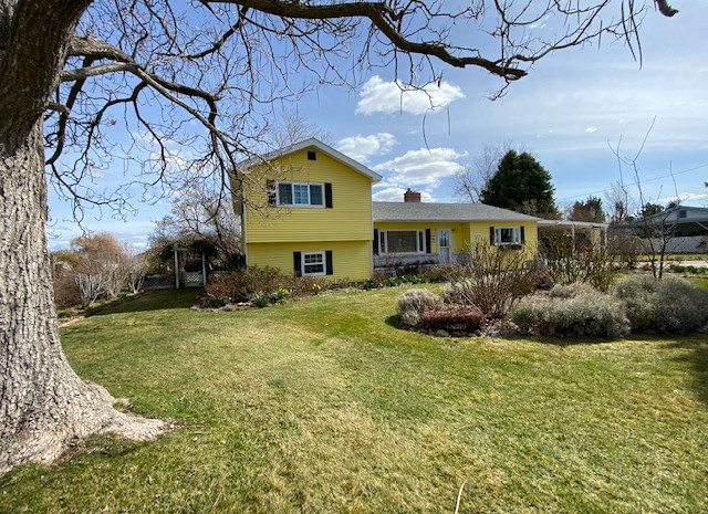 $725,000  /  2024 SQ FT  BEAUTIFUL HOME SITUATED ON 3 ACRES WITH WATER RIGHTS. SEVERAL OUTBUILDINGS AND AMAZING GARDEN AREA. VERY CLEAN 4 BEDROOM 4 BATHROOM TWO STORY HOME. WELL KEPT WITH FIREPLACE AND PLENTY OF STORAGE. CALL TODAY TO SCHEDULE A PRIVATE SHOWING!