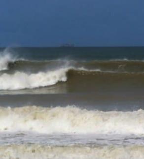 Entenda como funciona a onda da Praia de Tamoios