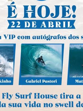 Fly Surf House faz ação com fotógrafos para registrar surfistas