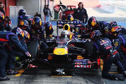 infiniti-red-bull-racing-pit-stop.jpg