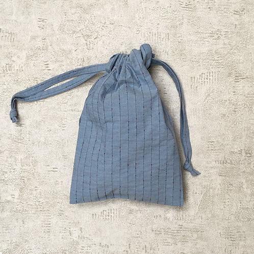 smallbag unique toile bleue brodée / light blue embroided cotton bag