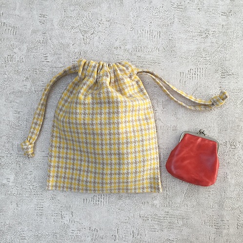 smallbags lainage jaune et beige / woolen fabric bags