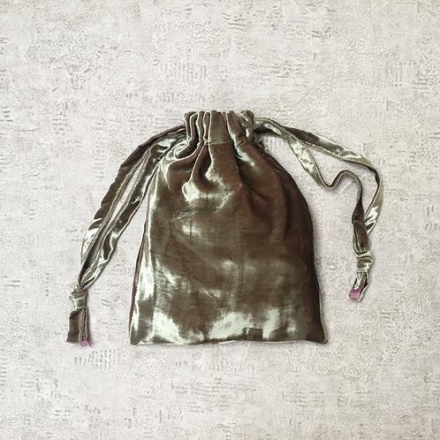 smallbags en velours lisse beige reflets roses / beige velvet bag