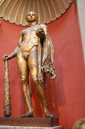 סיור בוותיקן גלריית הפיסול היווני.jpg