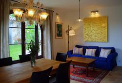 35 m² Wohnzimmer mit Küche und Kamin