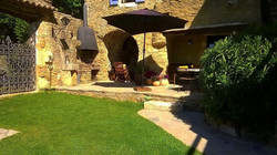 50m² walled courtyard with BBQ
