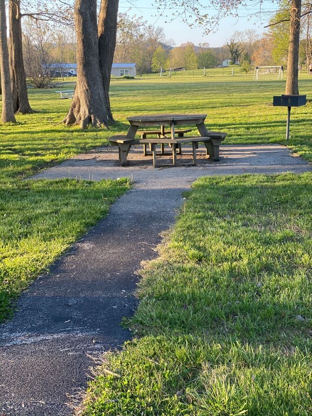 Walking Trail picnic table with grill.jp