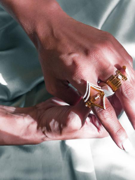 Diamond V Ring
