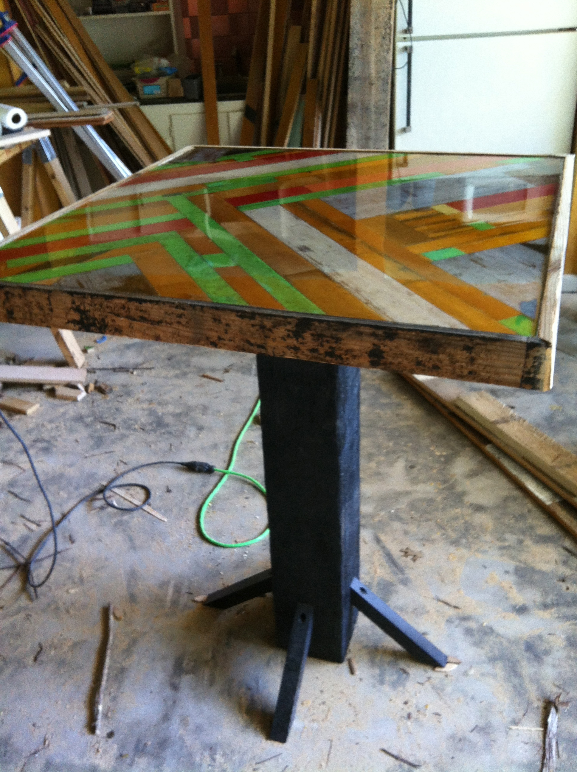 Chevron bar table