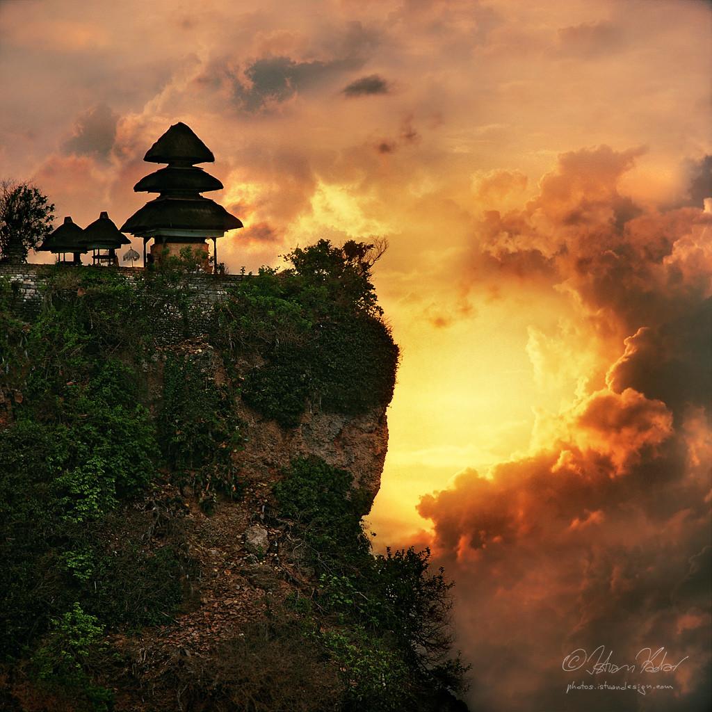 Il tempio di Tana Lot a Uluwatu