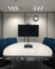 meeting-room-1806702_1920.jpg