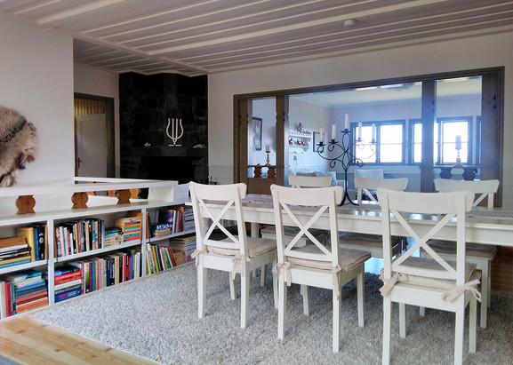 Storsjo-Prastgard_part_of_Living-Room.jpg