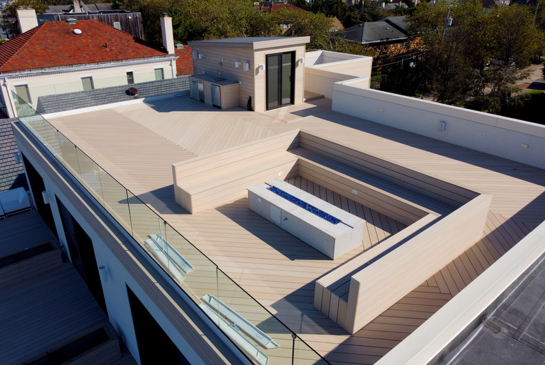 rooftop-deck-with-glass-railings.JPG