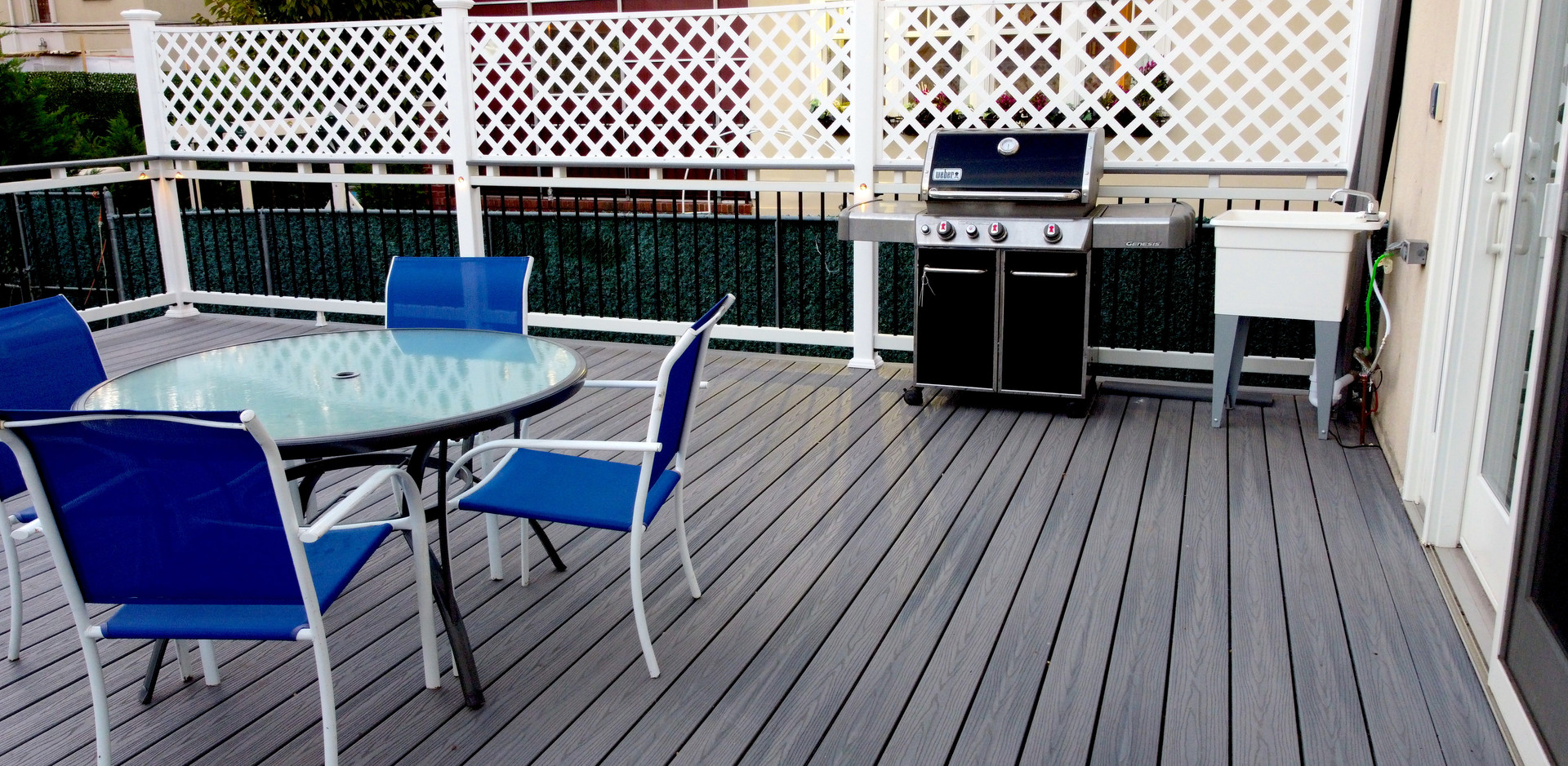 midwood-deck-privacy-wall.JPG