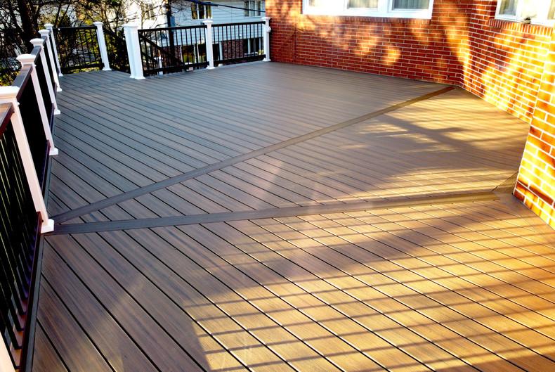 composite-deck-design-ideas.JPG