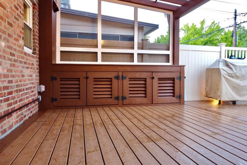composite-deck-storage.JPG
