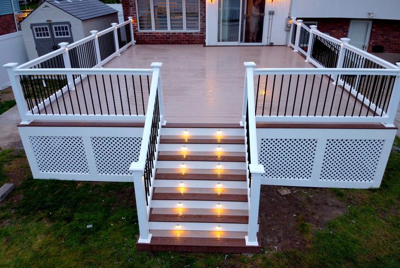 composite-deck-with-led-lights.JPG