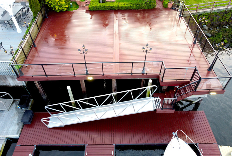 elevated-water-deck-with-floating-ramp.JPG