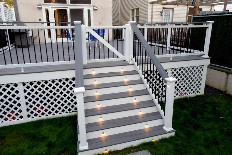 midwood-deck-led-stair-lights.JPG