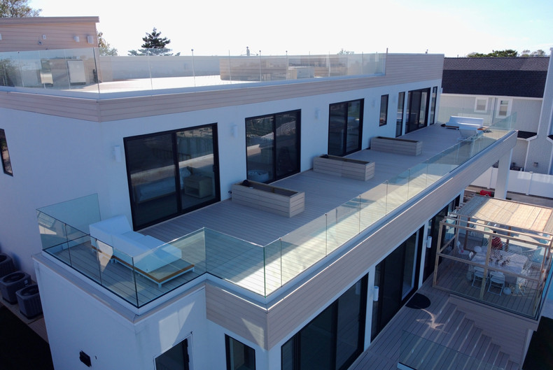 glass-railings-balcony.JPG
