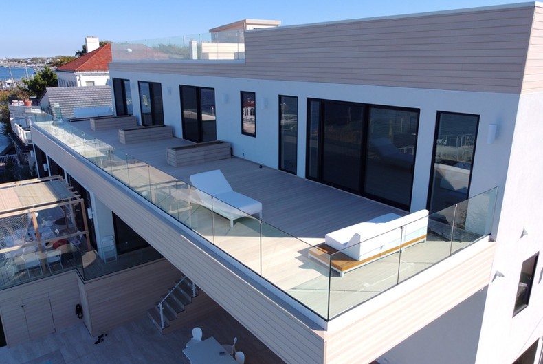 composite-terrace-with-glass-railings.JP