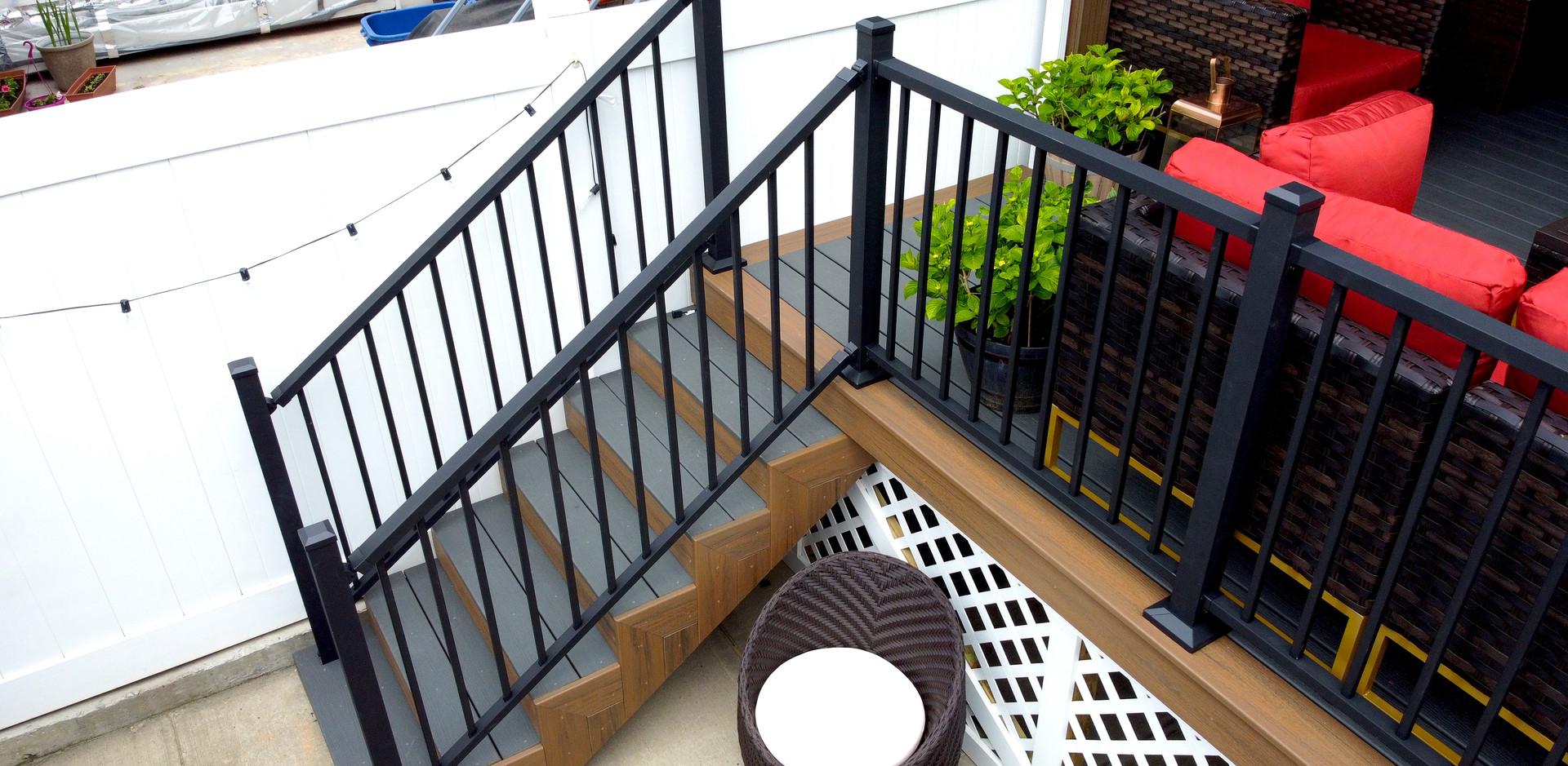 aluminum-railings-backyard-porch.JPG