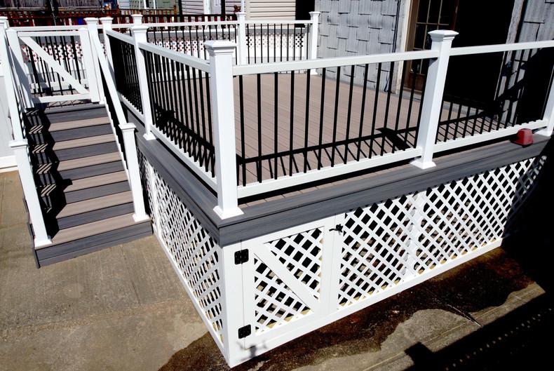 vinyl-deck-lattice-with-door.JPG