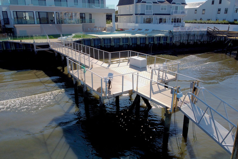 water-dock-with-cable-railings.JPG