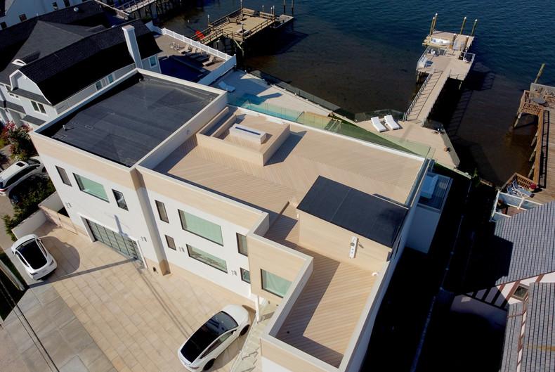 large-composite-roof-deck-design.JPG
