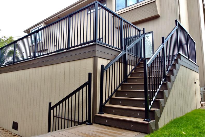 composite-deck-stairs-design-ideas.JPG
