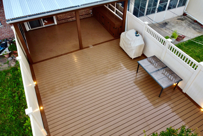 attached-house-floating-deck.JPG