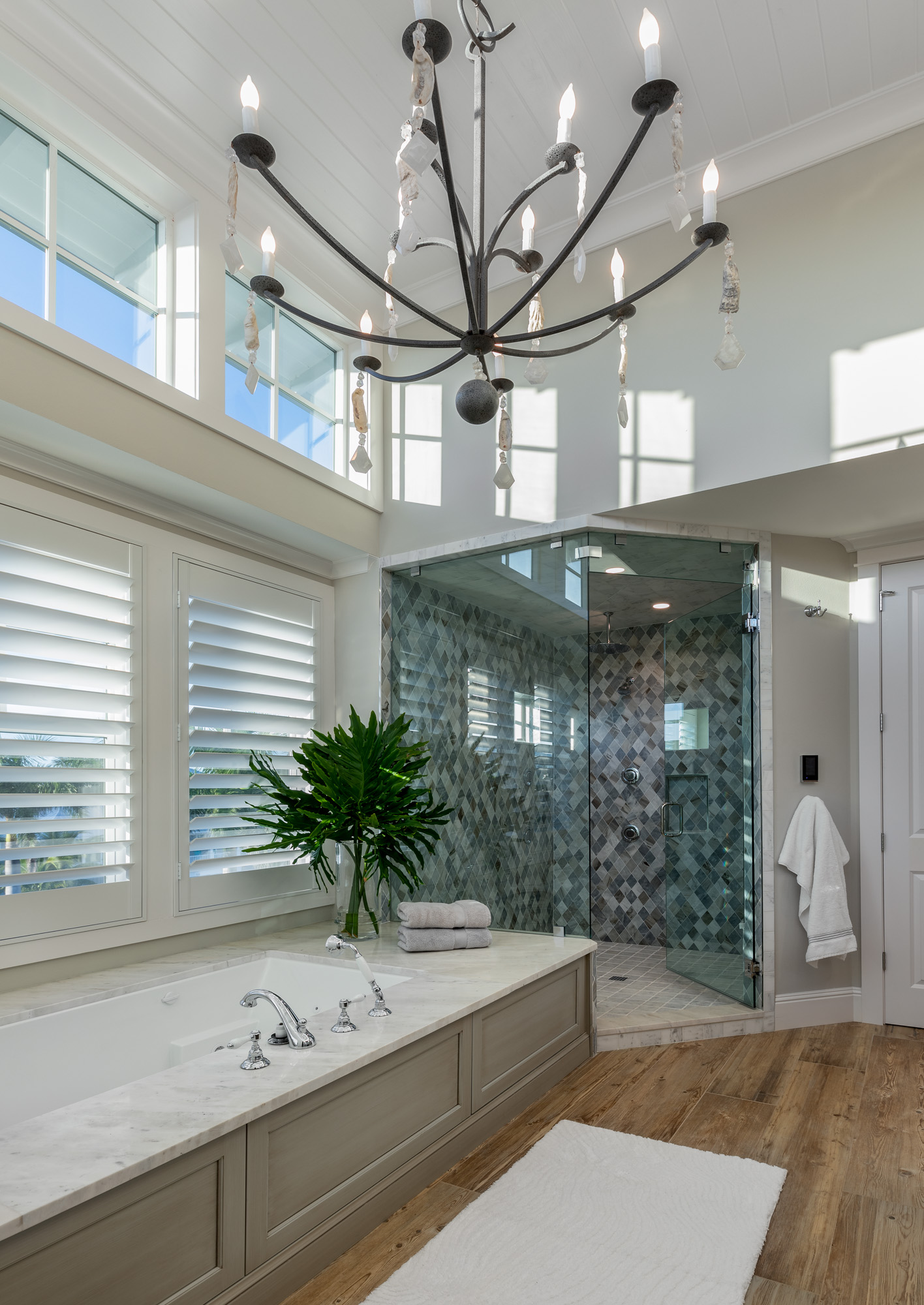 Luxurious modern master bathroom