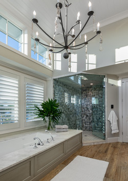Luxurious modern master bathroom