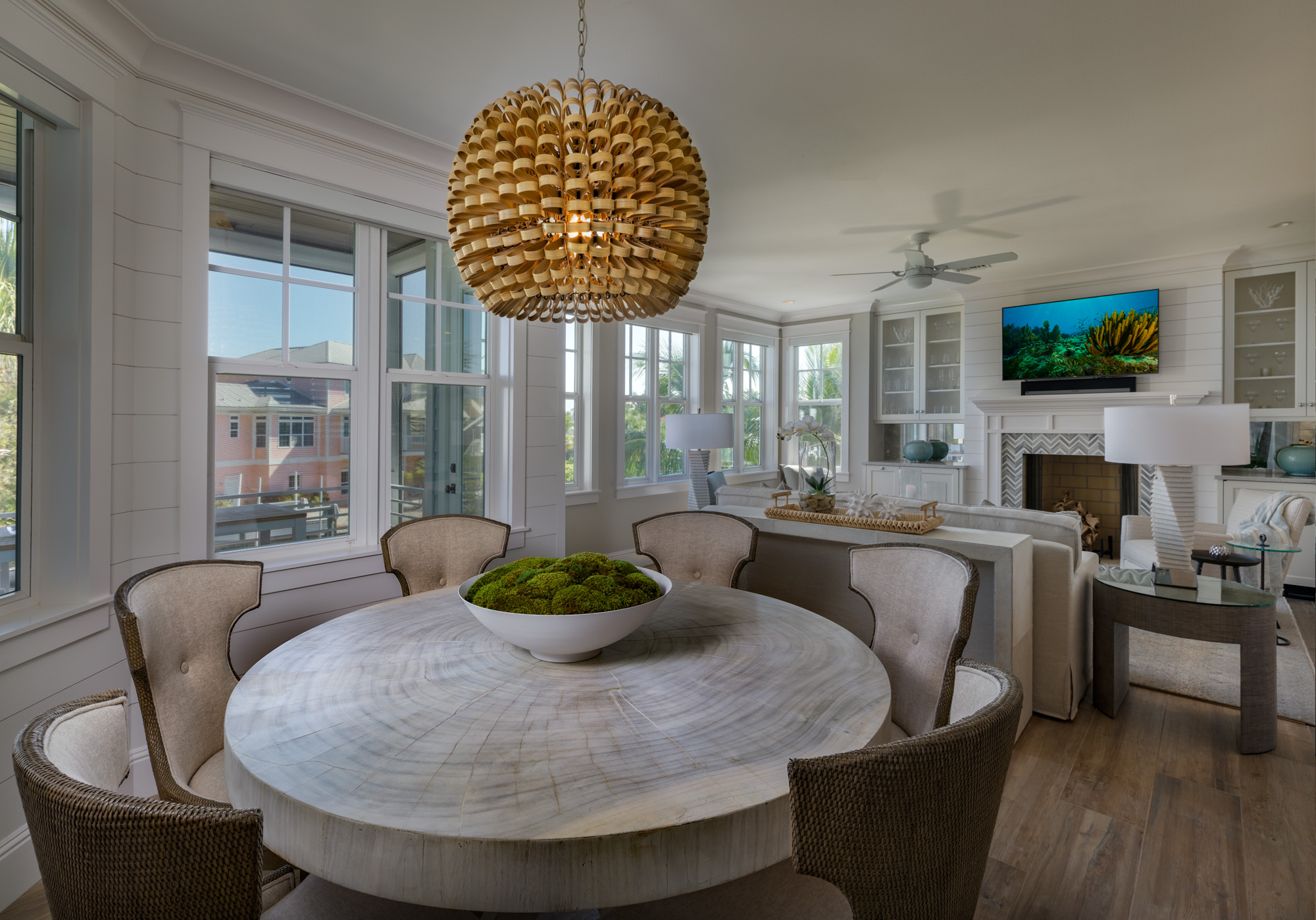 Modern coastal living/dining room
