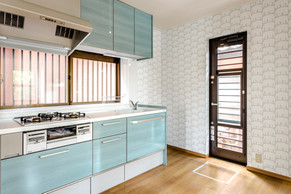 対面から壁付けに間取り変更して、機能性を高めたキッチンに!|リフォームの施工事例|キッチン