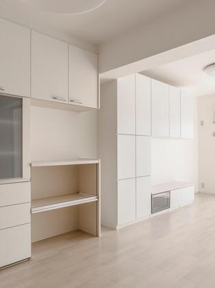 間取りを変えて開放的なLDKへ。壁面収納も造作して収納充実!|リフォームの施工事例|リビング