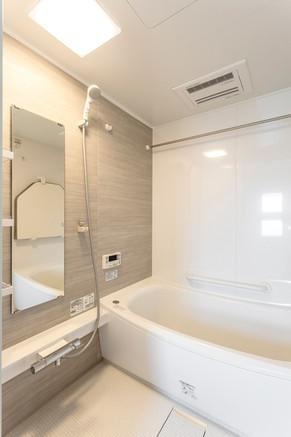 タイルから木目の穏やかなユニットバスへ リフォームの施工事例 浴室・バス