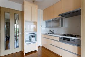 大容量収納で使いやすいキッチン回りへリフォーム! リフォームの施工事例 キッチン