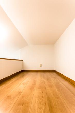 ロフトベッドでスペースを有効活用!|リフォームの施工事例|洋室