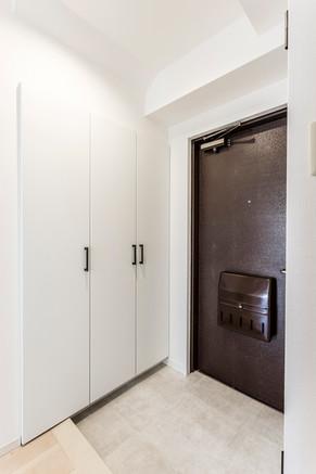 無駄なスペースを有効利用!玄関収納をリフォームしました|リフォームの施工事例|玄関