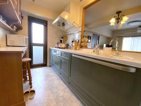 色合いやデザイン、インテリアがが調和する素敵な空間に。|リフォームの施工事例|キッチン