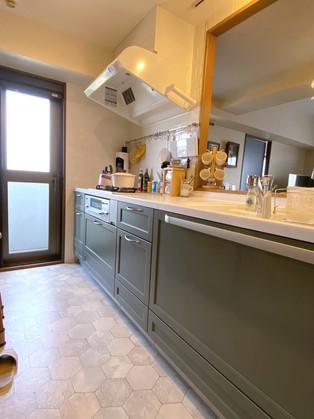 色合いやデザイン、インテリアがが調和する素敵な空間に。 リフォームの施工事例 キッチン