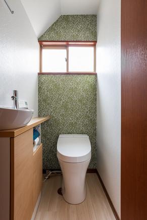 アクセントカラーで空間をガラッとチェンジ!|リフォームの施工事例|トイレ
