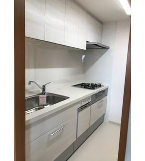 お手入れのしやすいキッチンに|リフォームの施工事例|キッチン
