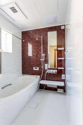 1坪にサイズアップして、快適で安全なバスルームにリフォーム。 リフォームの施工事例 浴室・バス